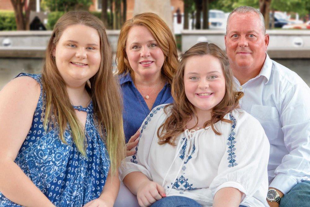 family-downtown-hattiesburg