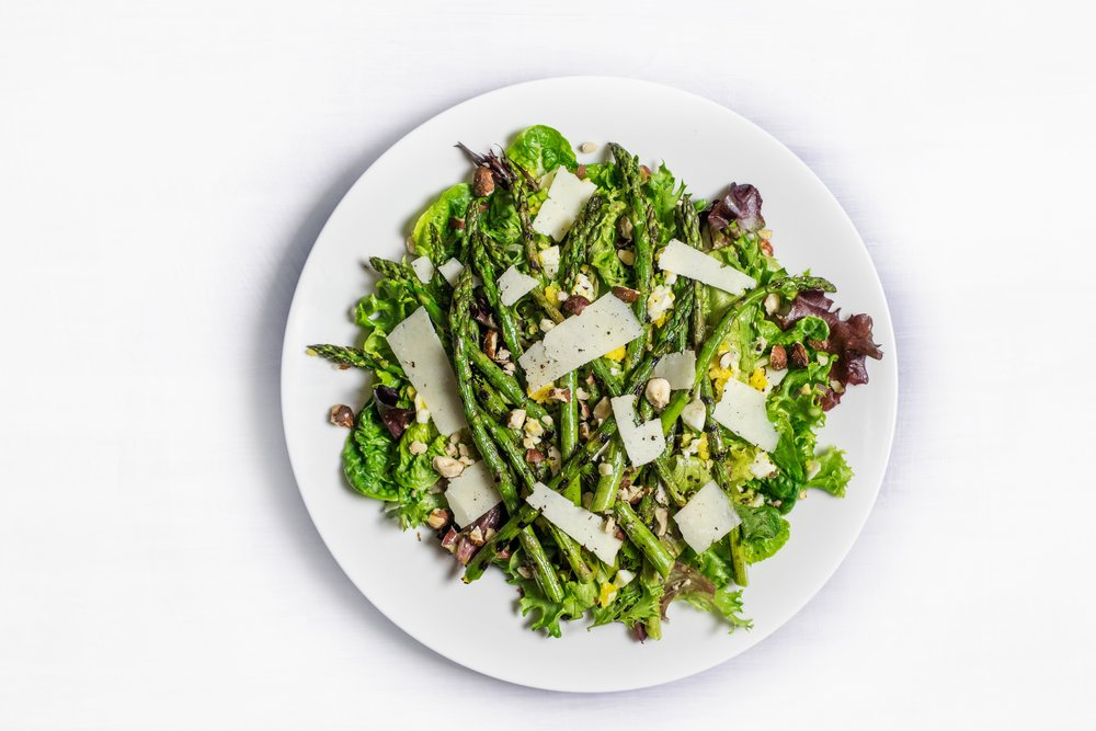 Learn the benefits for adding asparagus to your plate + FREE clean  nutritious recipes.  Need more brain + Gut Health hacks, snag them here:  www.amberlangleygill.com