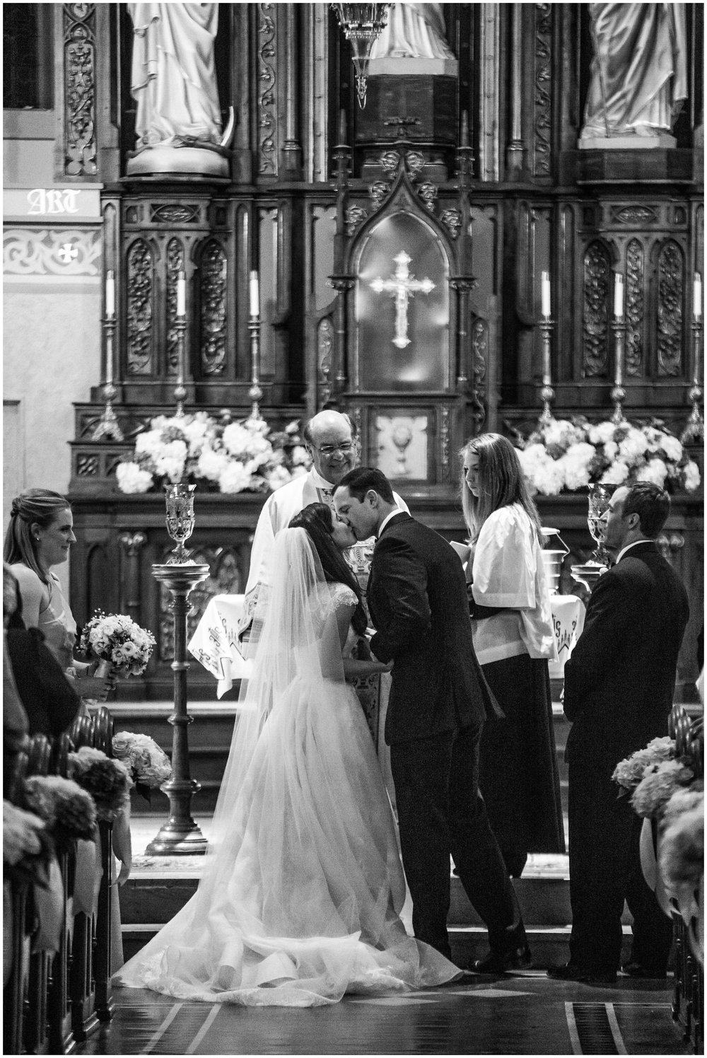 St-Mary-Catholic-Church-Memphis-Wedding-Taylor-Square-Photography_0028.jpg