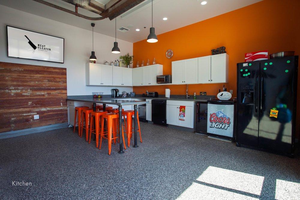 kitchen000.jpg