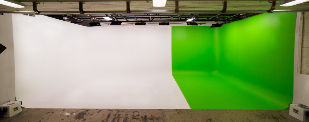 Studio cyclorama with green-white partition