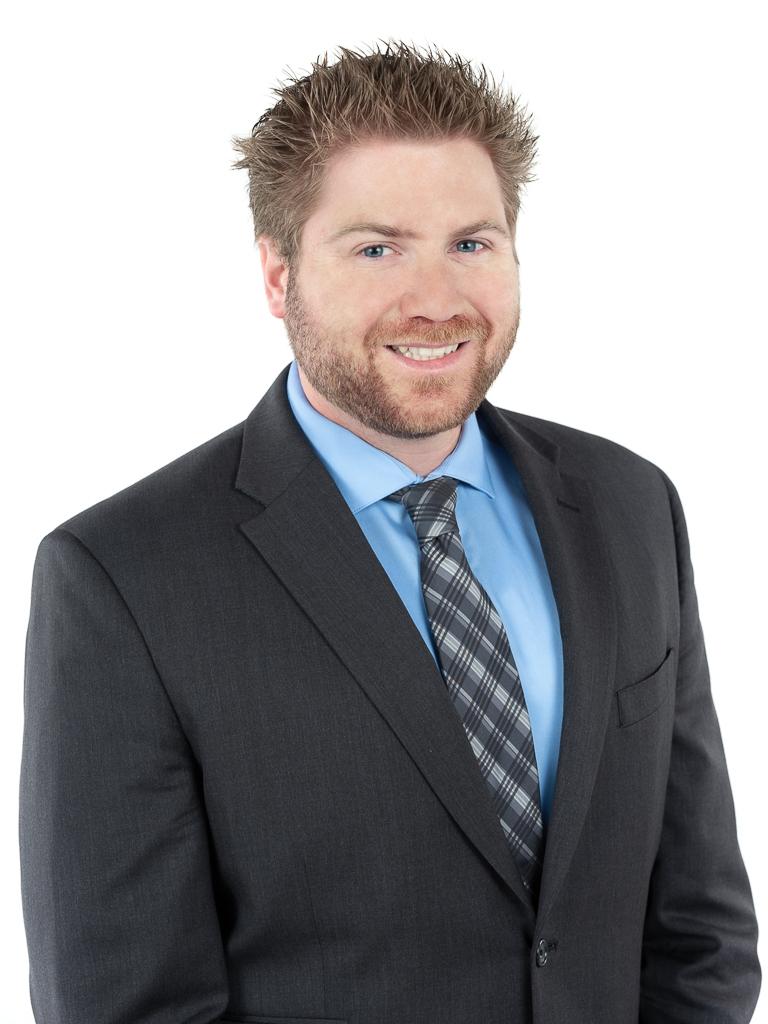 Professional Headshot Andrew Bunn.jpg