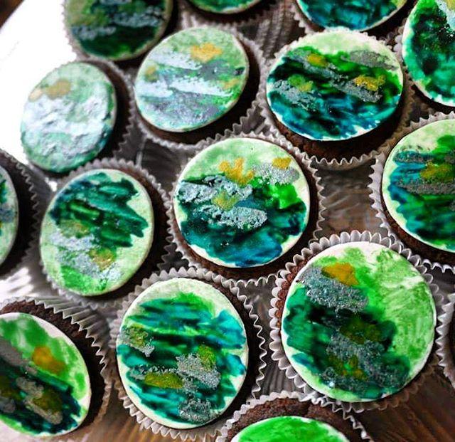 Monet-inspired #cakeballs #ediblepaint #cake #food #color