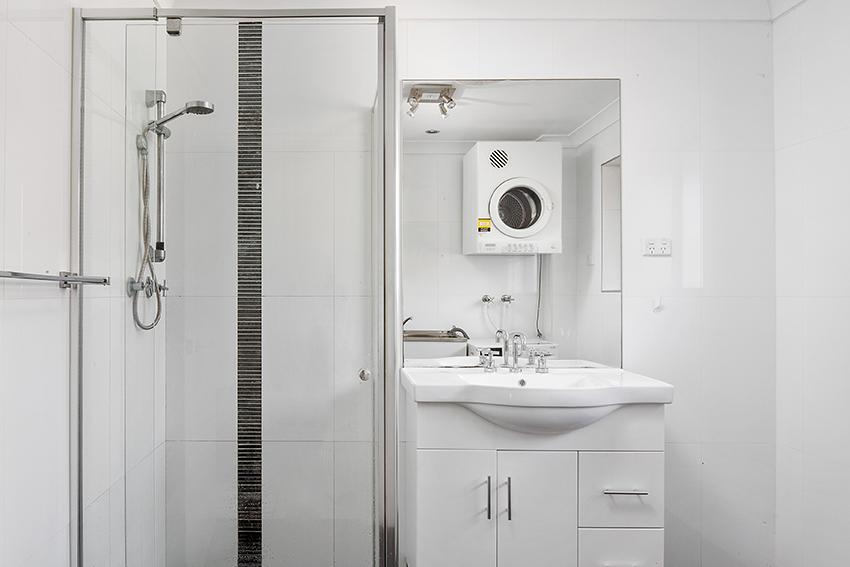 6.bath.jpg