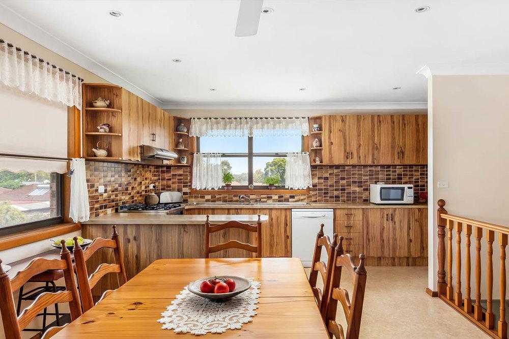 3.kitchen.jpg