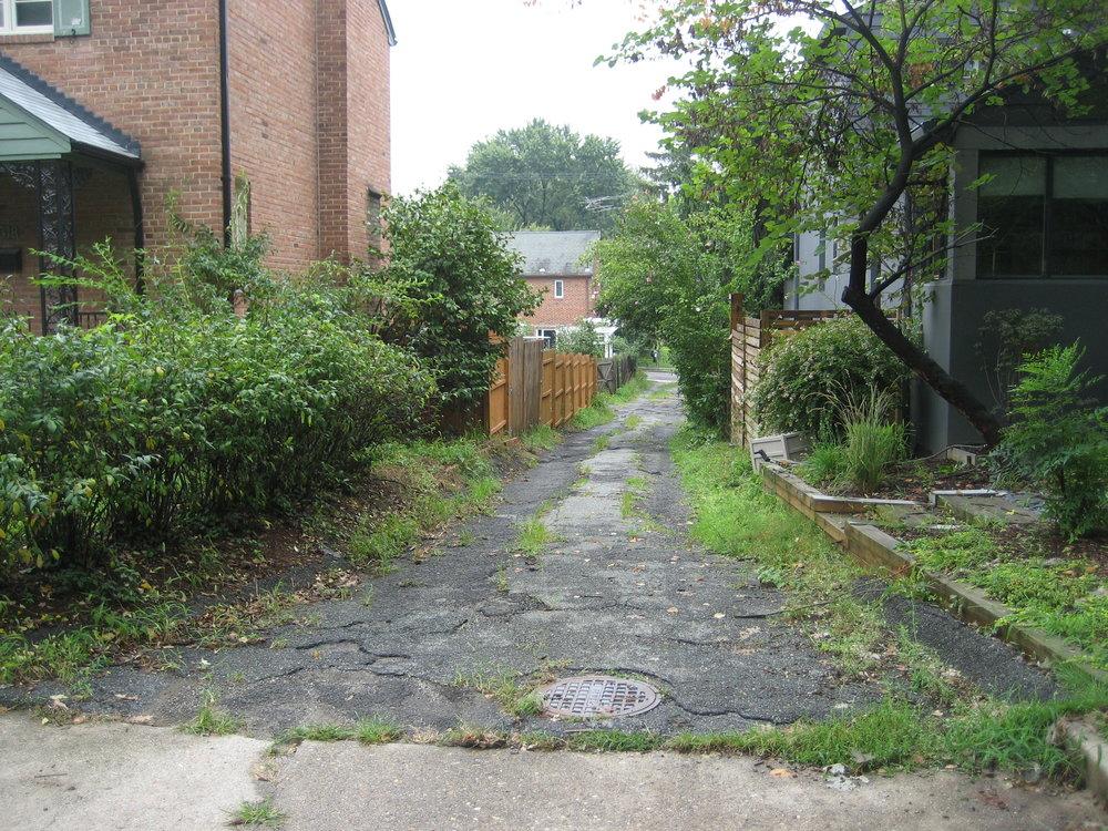Q Street Alley_August 2010 001.jpg
