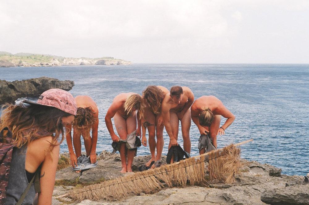 15-nusa lembongan - nakey bois at devils tear-lr.jpg