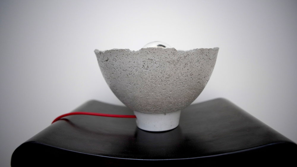 AYÊ high end concrete table lamp