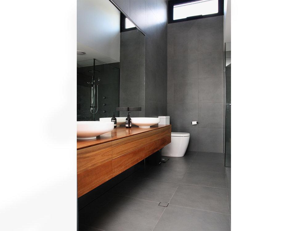 bathroom_timber.jpg