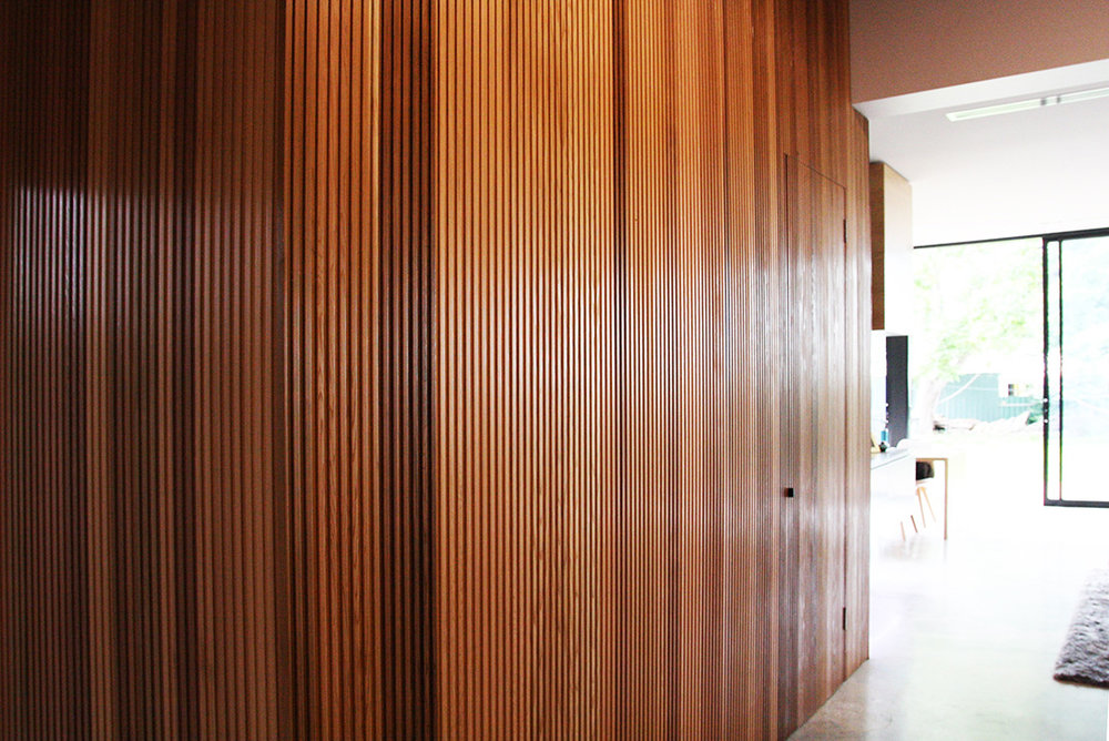 GOOD-INK_Timber-wall-int.jpg