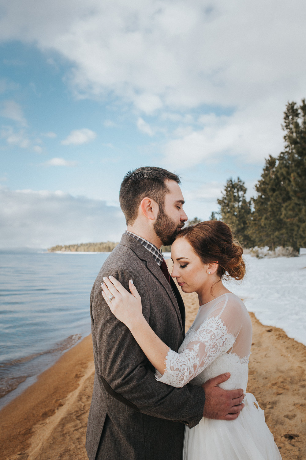 winter-wedding-reno-lake-tahoe-wedding-photographer-10.jpg