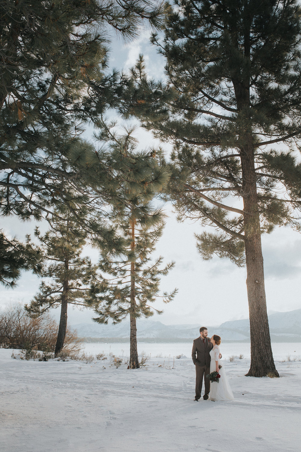 winter-wedding-reno-lake-tahoe-wedding-photographer-14.jpg