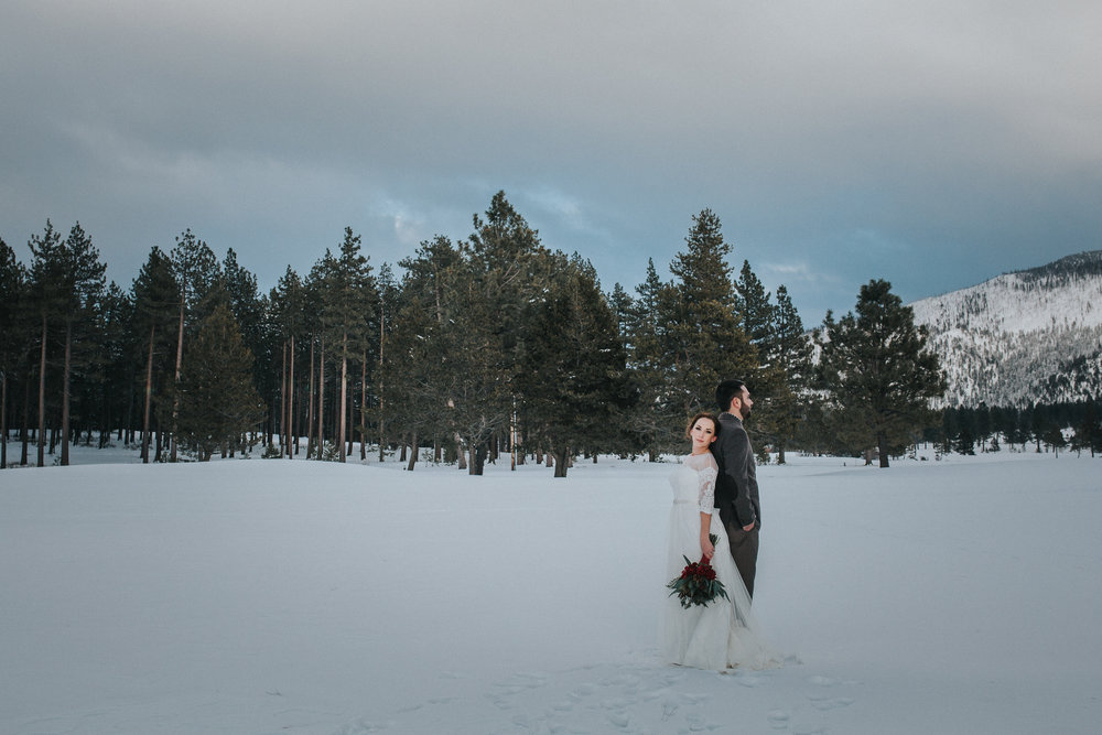 winter-wedding-reno-lake-tahoe-wedding-photographer-19.jpg