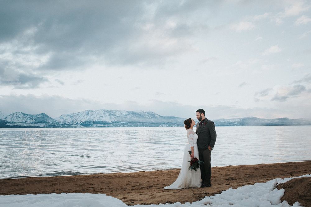 winter-wedding-reno-lake-tahoe-wedding-photographer-20.jpg