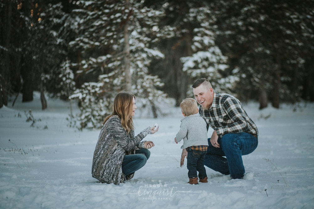 winter-family-photos-reno-lake-tahoe-family-photographer-2.jpg