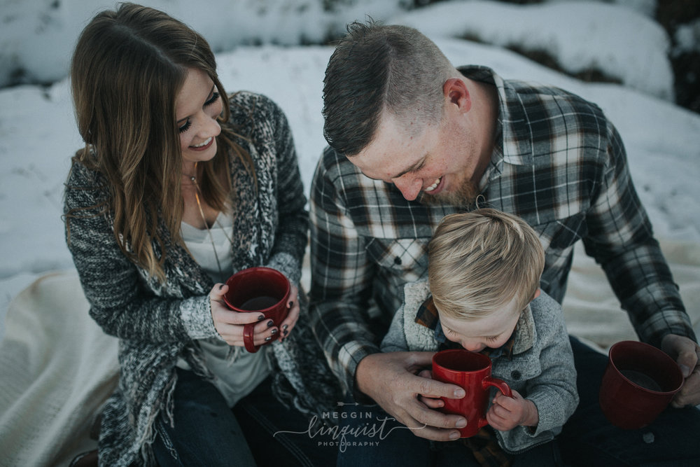 winter-family-photos-reno-lake-tahoe-family-photographer-19.jpg