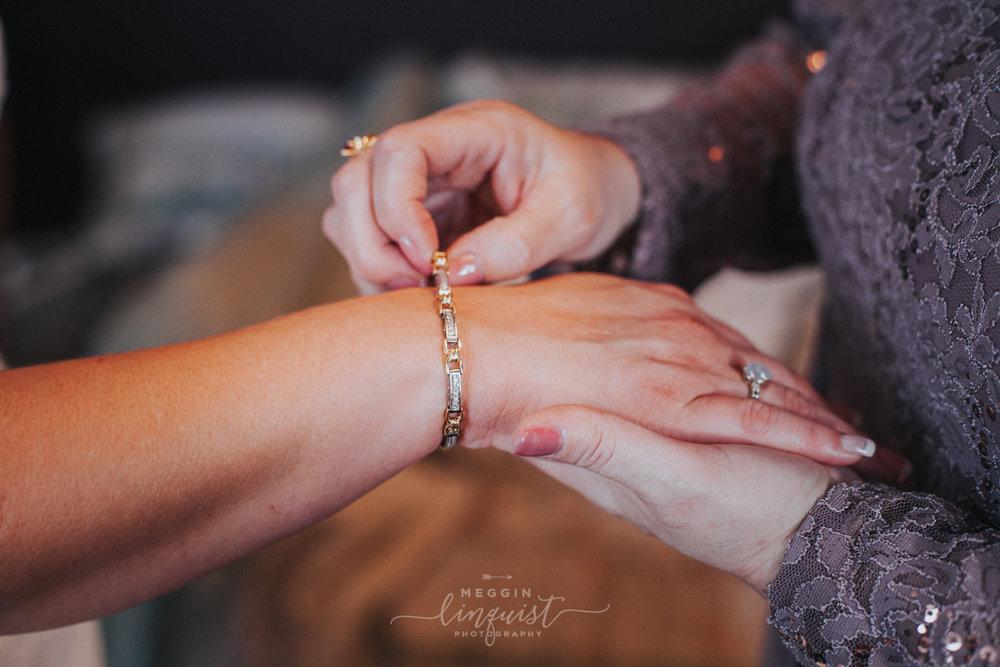 indiana-fall-wedding-reno-lake-tahoe-wedding-photographer-30.jpg