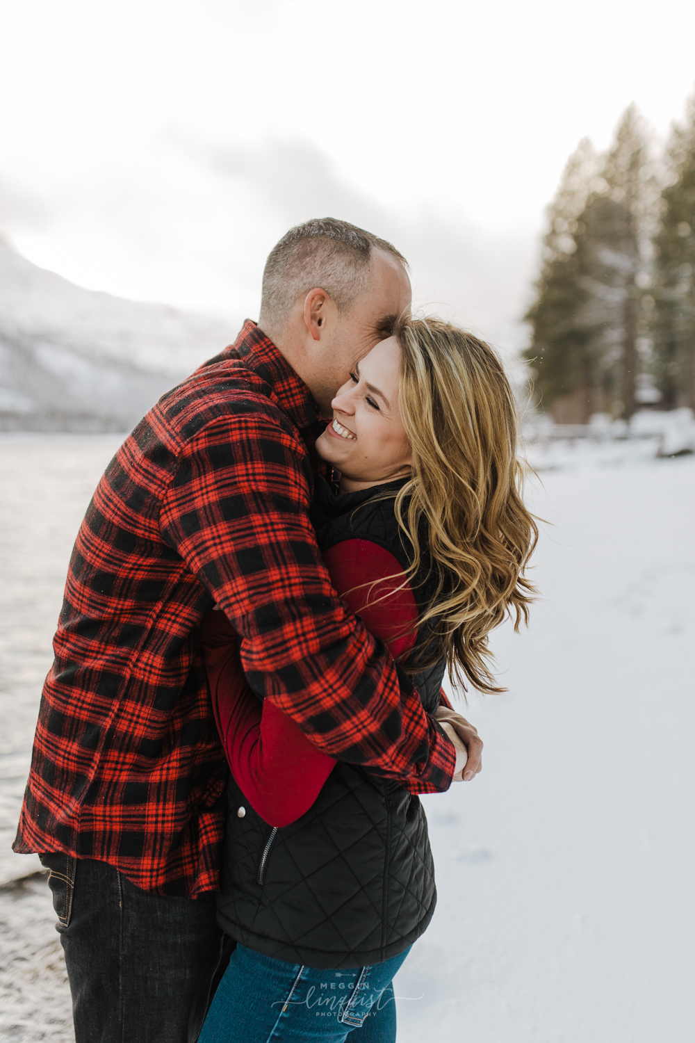 donner-lake-winter-engagement-session-reno-lake-tahoe-engagement-photograoher-5.jpg