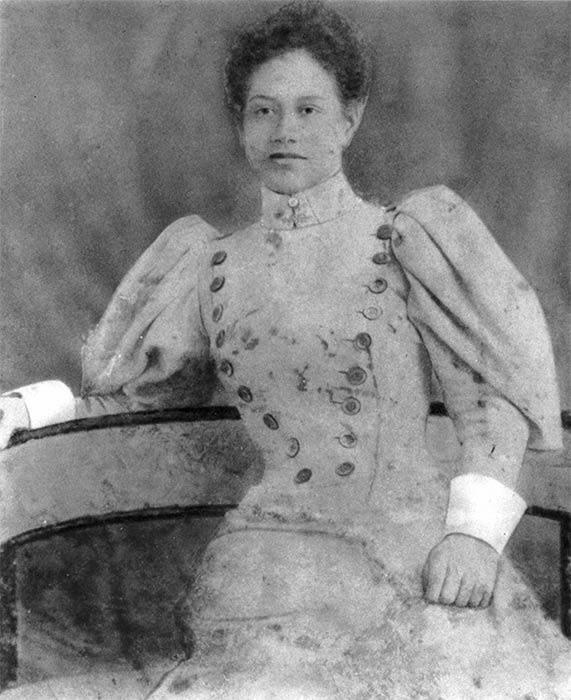Meri Te Tai Mangakāhia (1868–1920) Te Rarawa, Ngāti Te Teinga, Ngāti Manawa, Te Kaitutae.