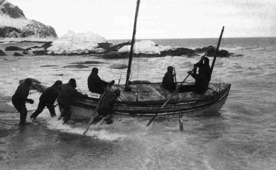 """Launch of the """"James Caird"""". This photograph was published in the United States in Ernest Shackleton's book, 'South', in 1919."""