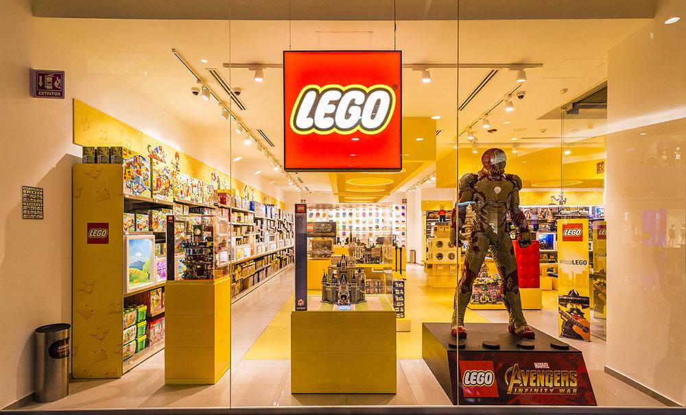 LegoStore-2.jpg