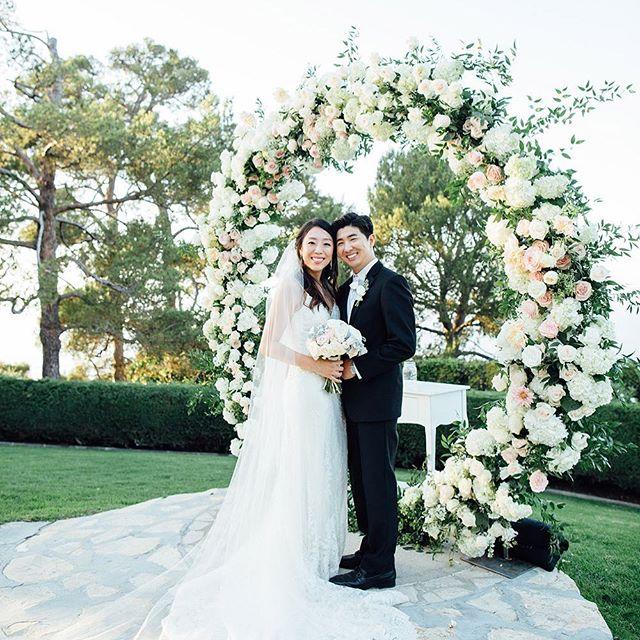 ♥️NEW: Lisa + Scotte's Wedding at La Venta Inn 👉View more: link in bio  Flower : @cityflowerla  MC/DJ : 3 Guys Event Photography : @kwonphoto  Venue : @la.venta.inn