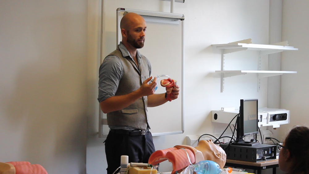 Will, a paramedic-turned-medical-student delivering his trauma station