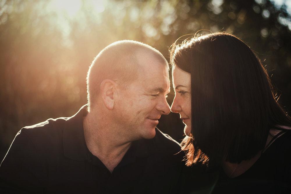 outdoor_portrait_of_couple_in_Brisbane