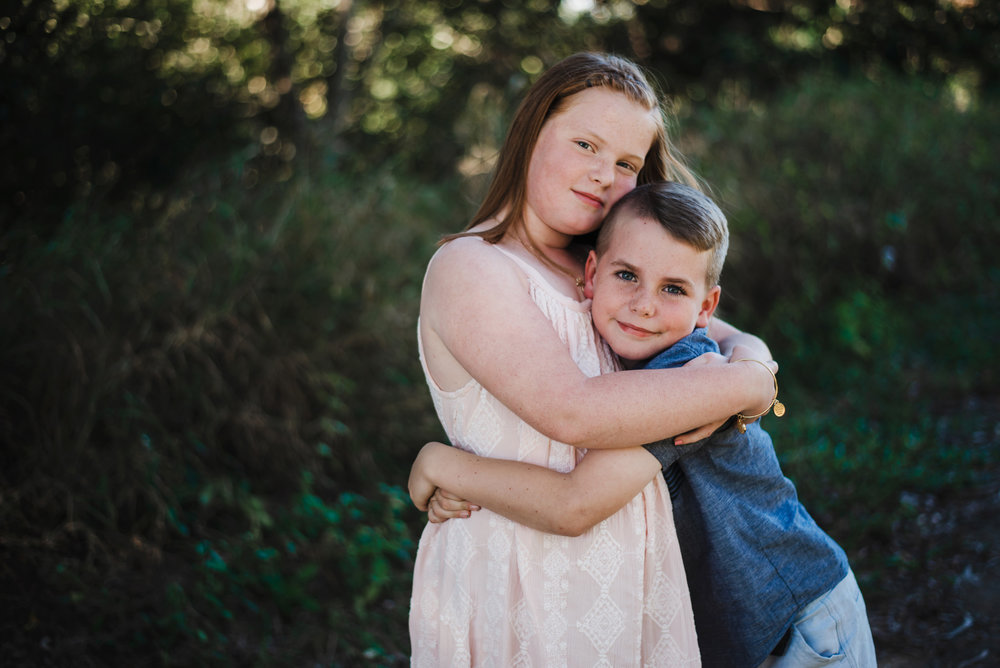 Lifestyle_photo_of_brother_and_sister