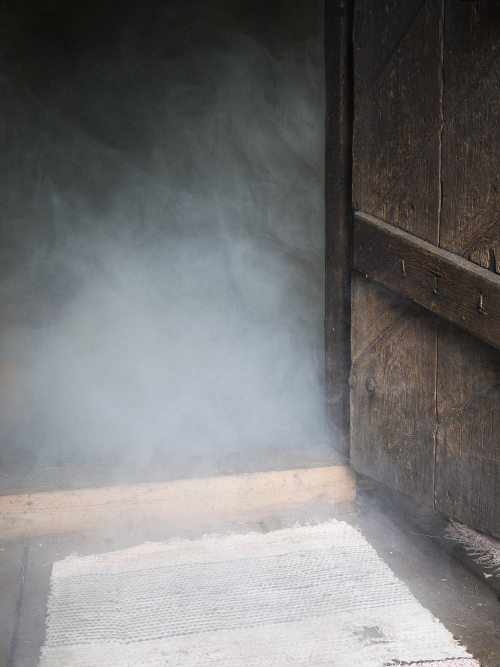 smoke-door-sauna-closeup