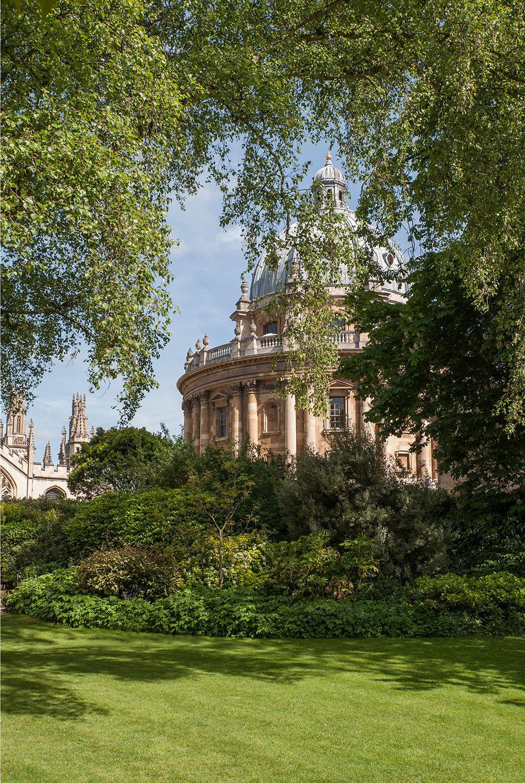 Exeter-College-Fellows'-Garden.jpg