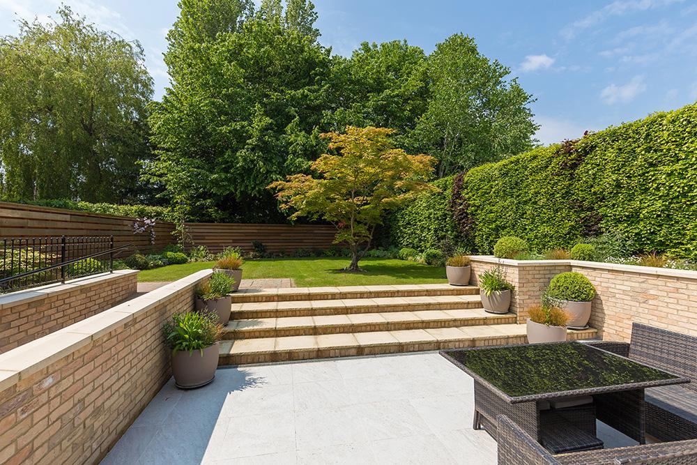 Entertaining Area and Rear Garden