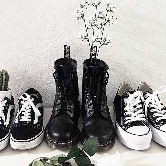 What's on the Christmas wishlist? All of the shoes always. 👟✨ #socialoutput #holidaze #vans #shoes #holidays