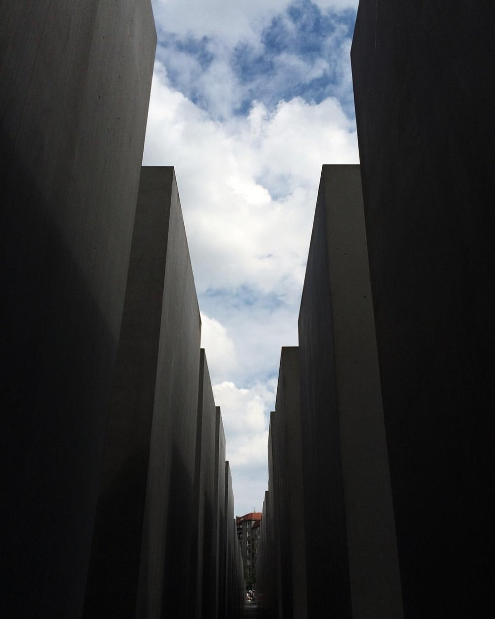 In remembrance   #memorialtothemurderedjewsofeurope     (at Memorial to the Murdered Jews of Europe)