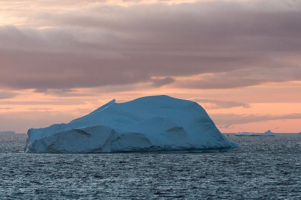 | 10:33 PM |    Iceberg # 13    #antarcticaordie     (at Antarctica)