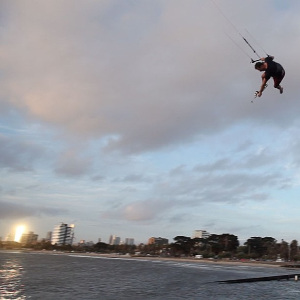 Flying high #kitesurfing (at Melbourne)