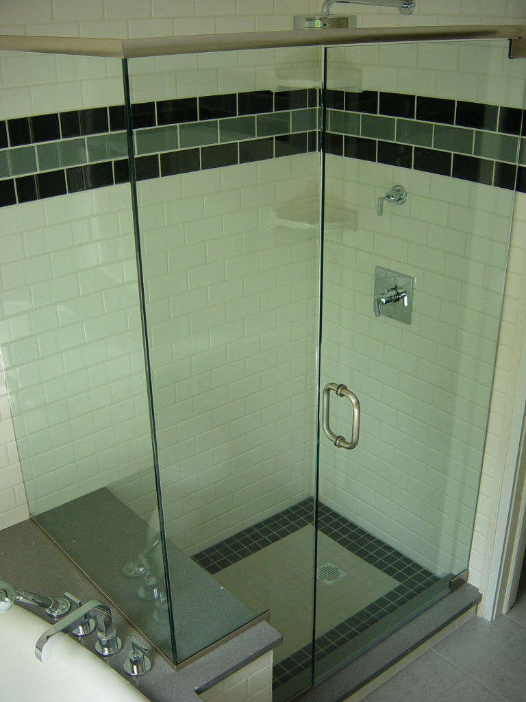 Shower_Enclosure_002.JPG