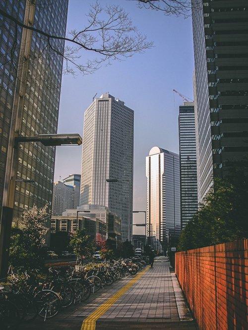 Visiter tokyo une semaine guide par jour par quartier shinjuku grande avenue japon asie blog voyage photographie