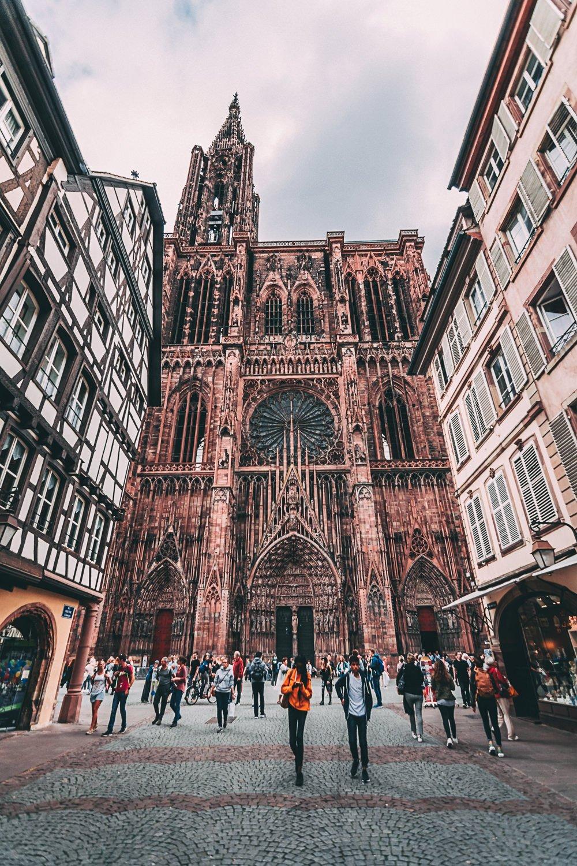 visiter strasbourg une journee facade cathedrale france europe blog voyage photographie