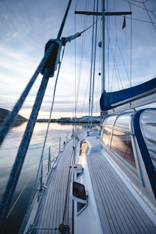 soleil de minuit depuis le bateau