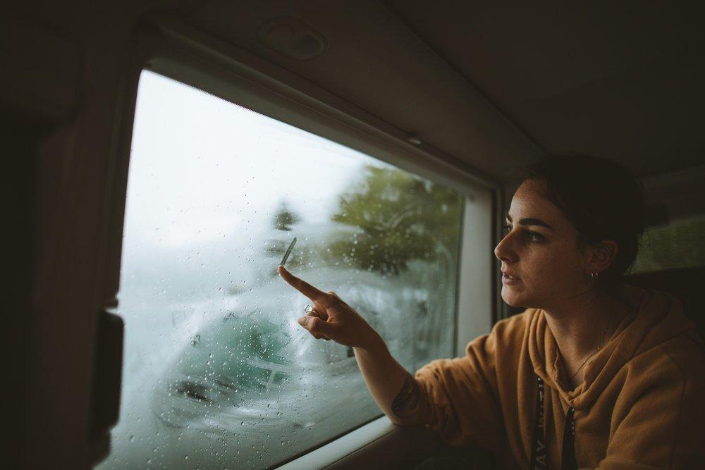 lola a l'interieur du van
