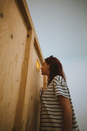 lola visite le musee contemporain