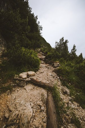 sentier vertige vers le refuge