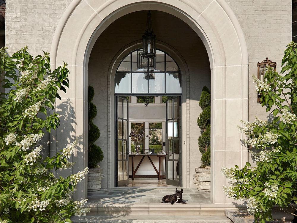 stone-outdoor-arch-entryway-formal-transitional-bureau-interior-design-nashville-tn