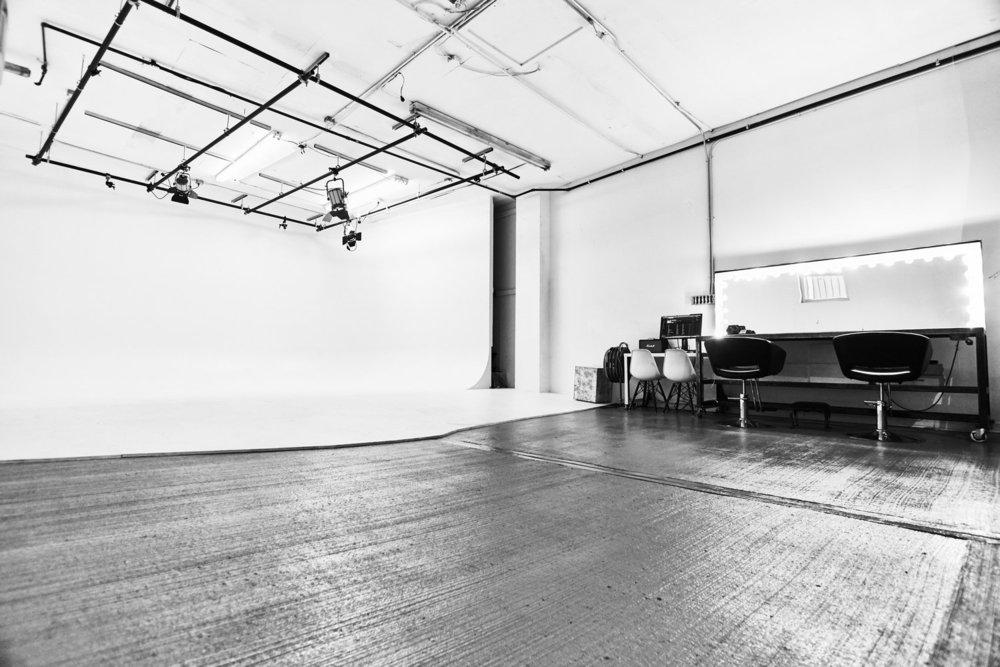 Brooklyn 1 - 317 Stagg St. - Main StageCyclorama studio