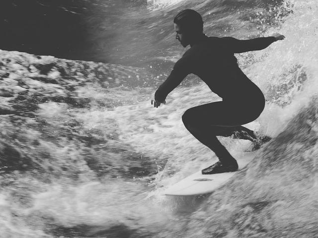 surfer-918689_640.jpg