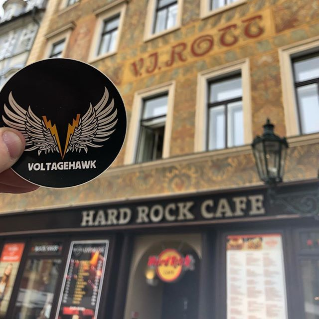 Czeching out some rock n roll memorabilia...hope they have some Prague Rock stuff...ok, we'll stop. . . #rocknroll #hardrockcafe #hardrock #guitars #museum #prague #rock #history #europe