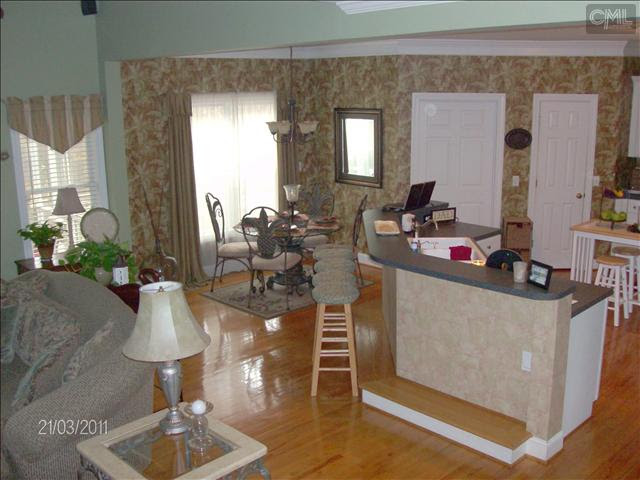 family room kitchen before.jpg