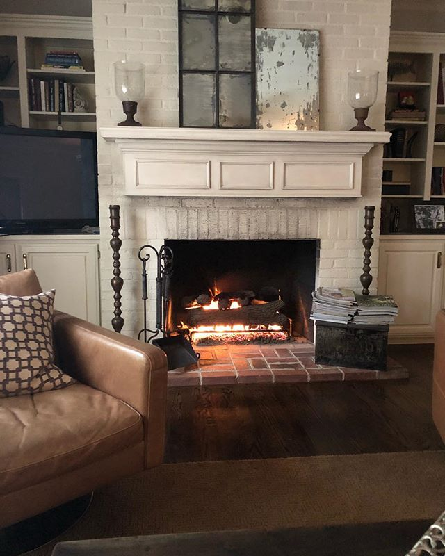 Fireplaces and fall...Painting this fireplace transformed this space!#whitefireplace #fireplace #livingroom