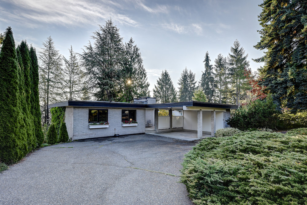 Rented - BELLEVUE WOODRIDGE - 4 BR/2 Baths - $3700/mo  | CLICK FOR DETAILS